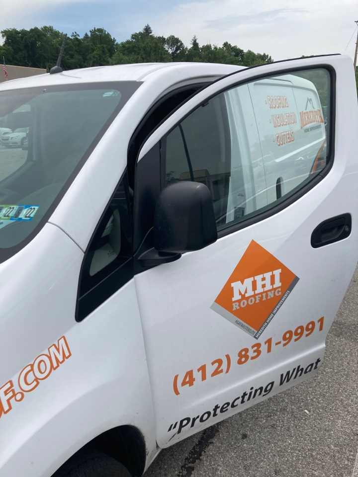 Bridgeville, PA - Best local roofing contractor near me now in Bridgeville, Pa. Must be insured and licensed. Looking for roof repair and rejuvenation