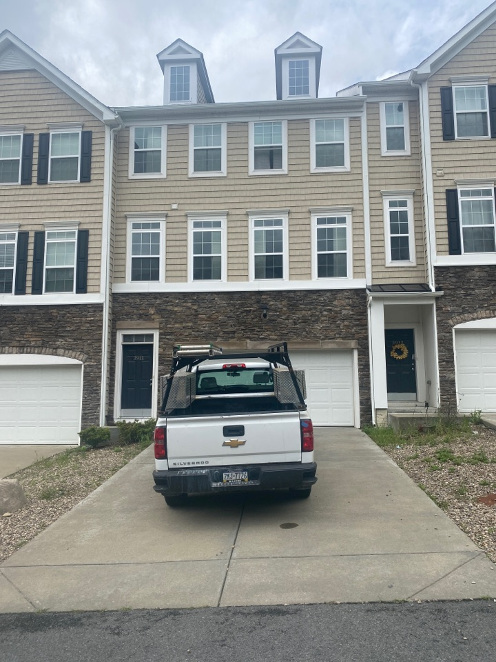 Morgantown, WV - Roof inspection for a roof repair by the best master elite roofing contractor near you