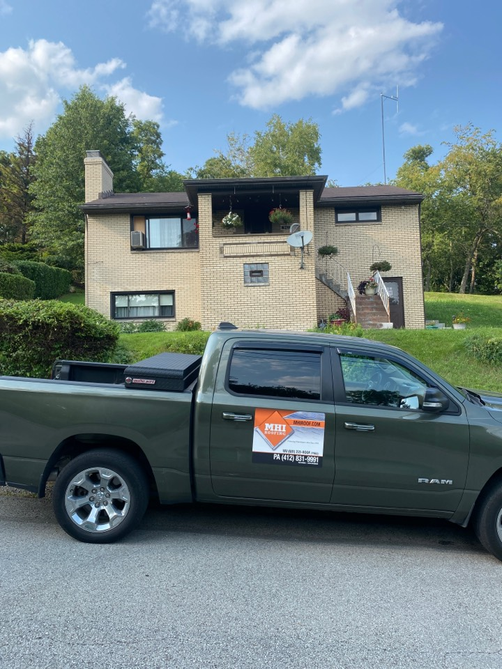 Pittsburgh, PA - GAF Master Elite Contractor in Braddock Hills doing a roof inspection for a roof replacement estimate