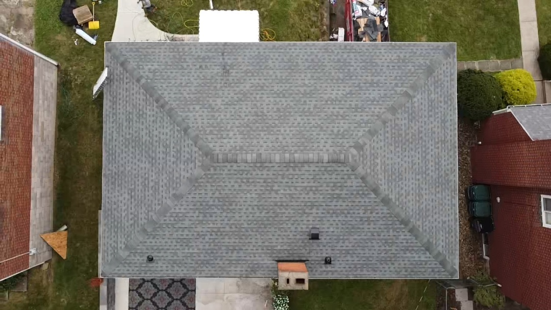 Pittsburgh, PA - New roof needed near Pittsburgh.  Mhi is a GAF master elite contractor