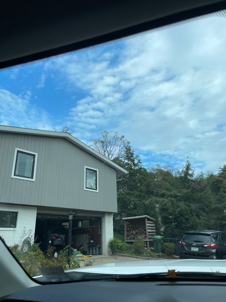 Morgantown, WV - Roof inspection for MHI roofing in Morgantown Wv