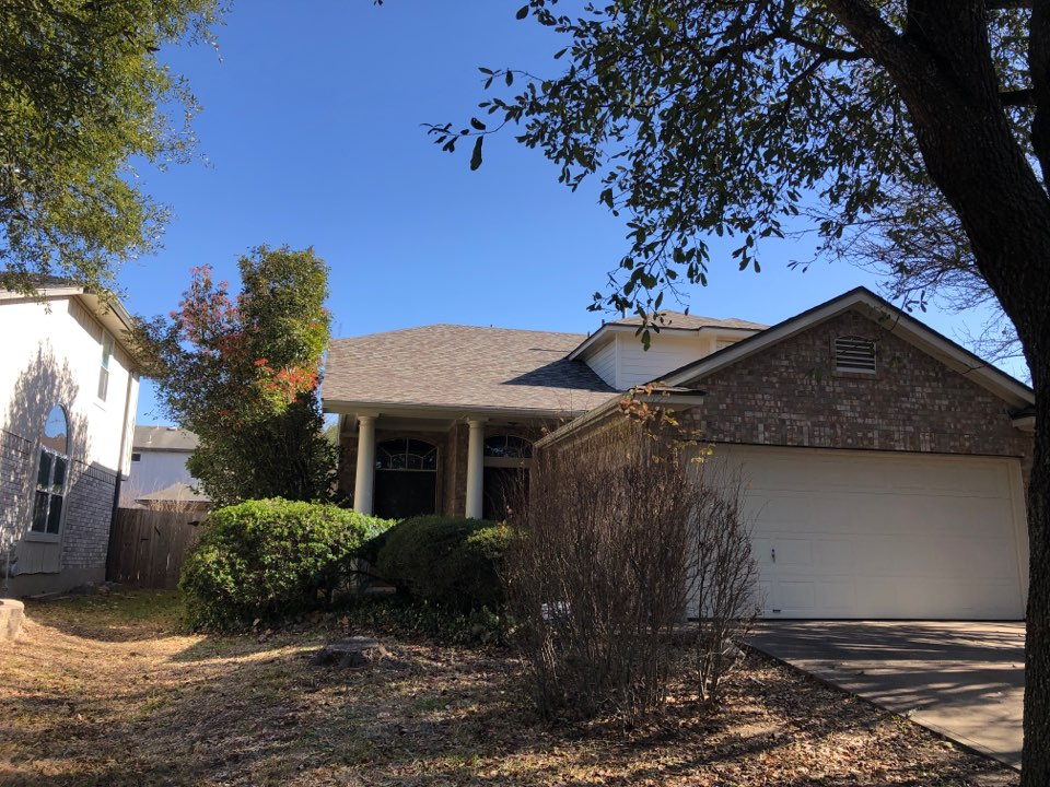 Austin, TX - Newly completed Owens Corning Trudef roof.  Insurance claim.