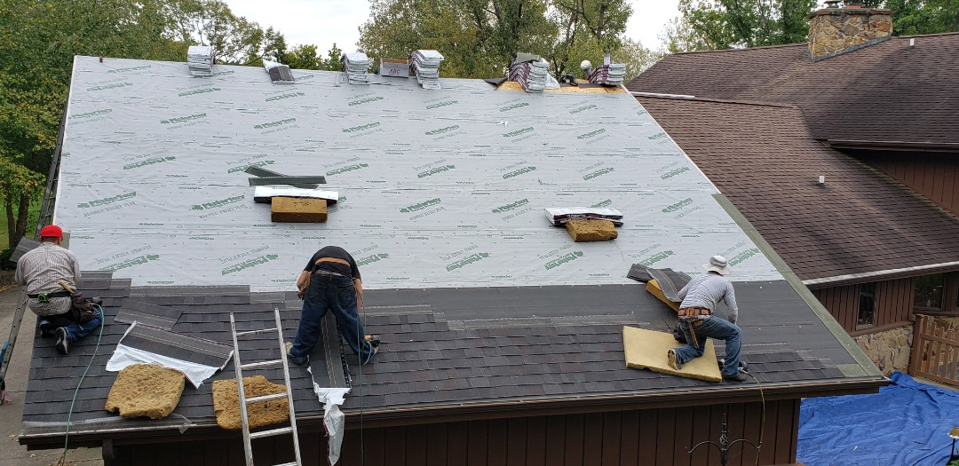 Marion, IN - Malarkey Legacy premium roof install currently underway.