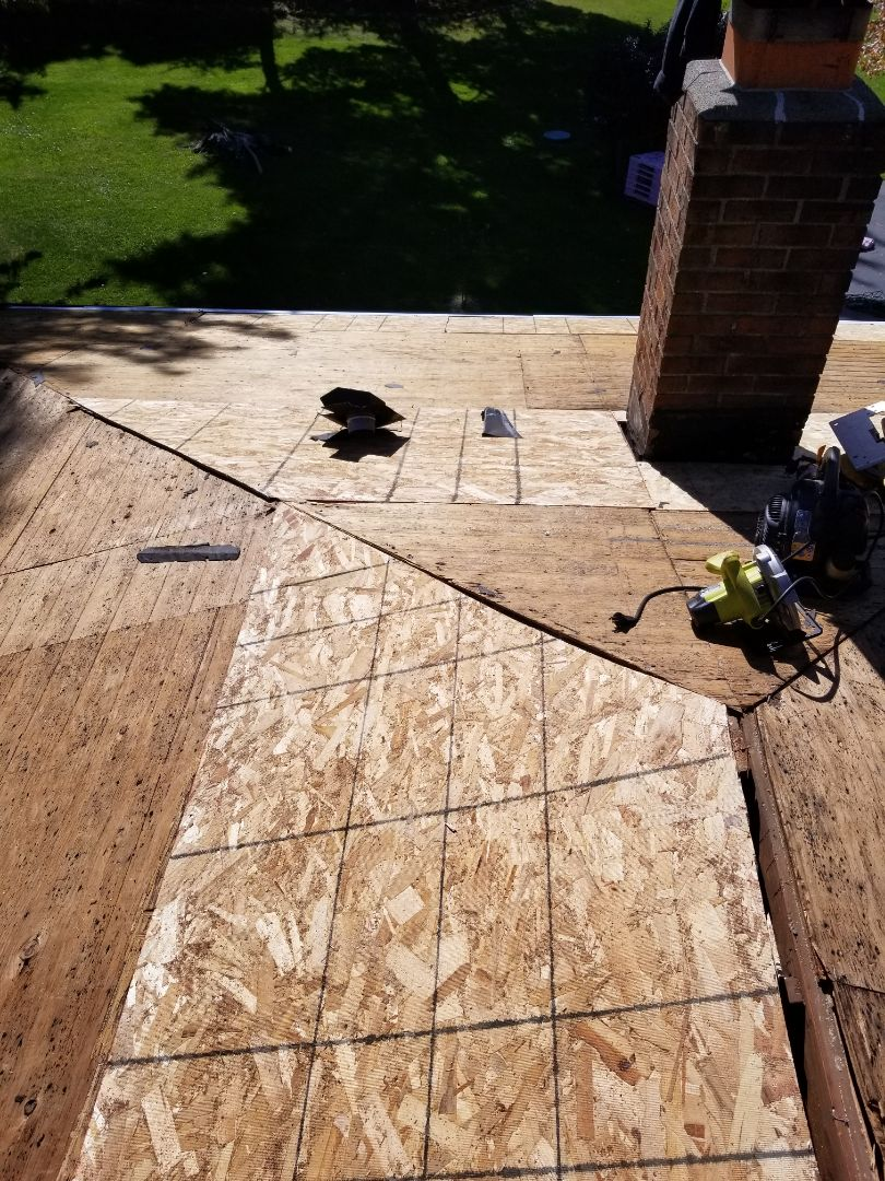 Marion, IN - New Owen's Corning Duration shingle being installed. Found and replaced 23 sheets of wood decking.
