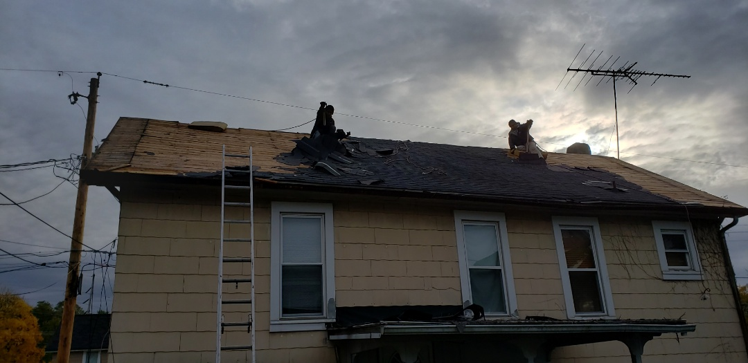 Kingdom Construction is making progress on this home in downtown Marion. The home has been in rough shape for a while and is now getting the facelift it deserves. Kingdom works on small homes all the way to mansions. Everyone deserves a Kingdom roof! #KingdomCulture