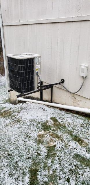 Kansas City, MO - Inspect Heat pump and Coil. Providing HVAC quote for new Heating system.