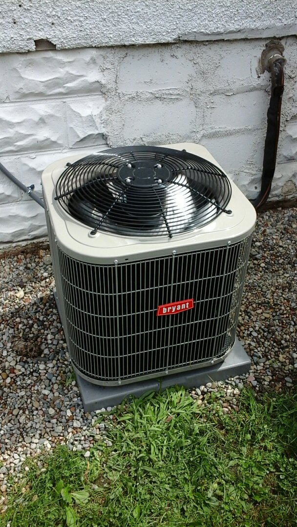 Burlington, MI - Performed a precision tune-up on a Bryant 113 ANA air conditioning unit with R410A refrigerant charge.