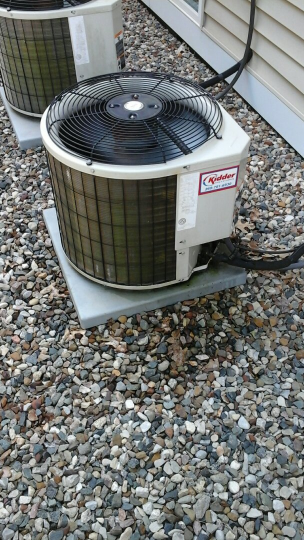 Burlington, MI - Performed a precision tune-up on a Payne air conditioning unit with R - 22 refrigerant charge.