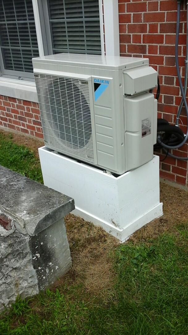 Burlington, MI - Performed a precision tune-up on a Daikin split-system Heat pump with R410A refrigerant charge.