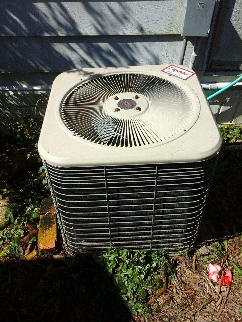 Homer, MI - Air conditioner tune up on a Lennox HSX29-024