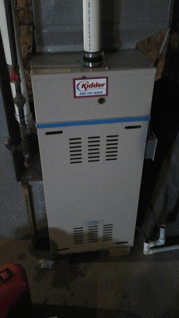 Olivet, MI - Performed a precision tune-up on a consolidated 90% furnace with 80,000 btu output and 16 x25 x1 filter.