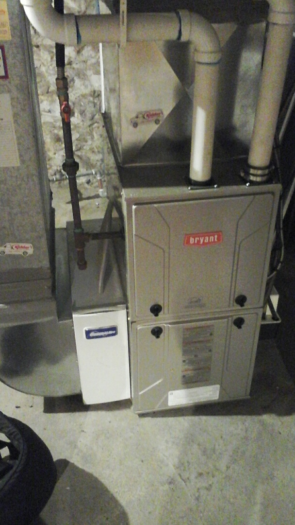 Ceresco, MI - Performed a precision tune-up on a Bryant 926TA furnace.