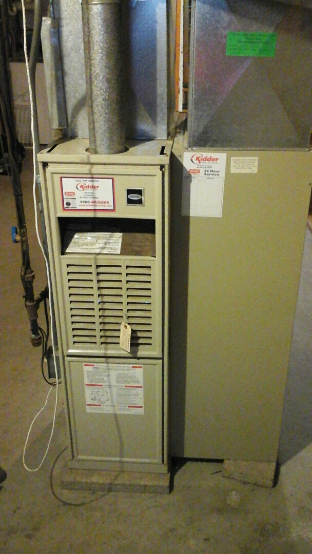 Olivet, MI - Performed a precision tune-up on a Carrier, 70% furnace with two 20 � 25 � 1 pleated air filters.