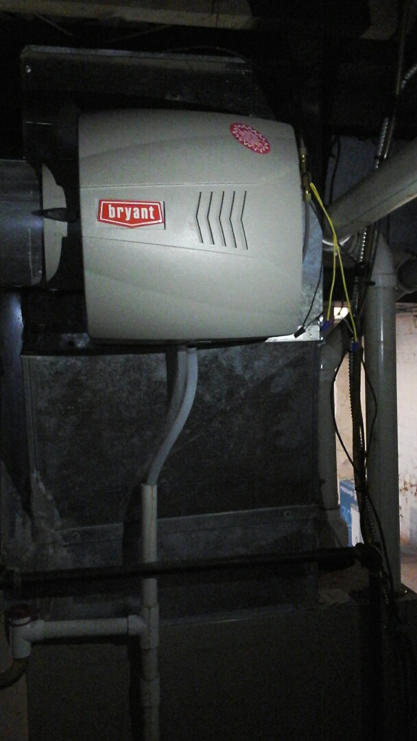 Marshall, MI - Installation of new Bryant humidifier with humidistat and shutoff valve.