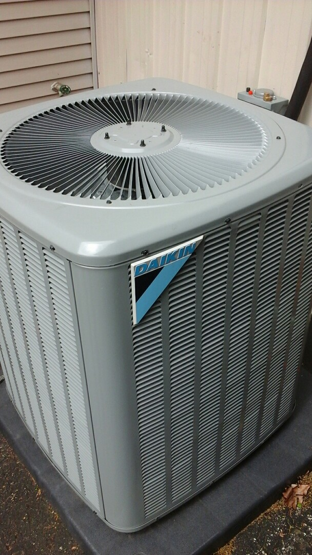 Olivet, MI - Daikin air conditioning system install