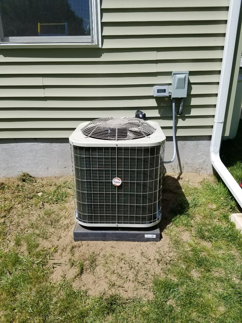 Union City, MI - Install new 2.5 ton Payne air conditioner