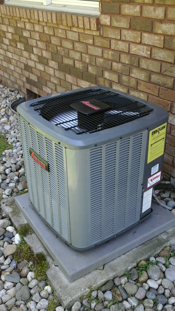 Battle Creek, MI - Yearly maintenance tune-up on a Amana air-conditioning unit with R410A refrigerant charge and EZ-TRAP.