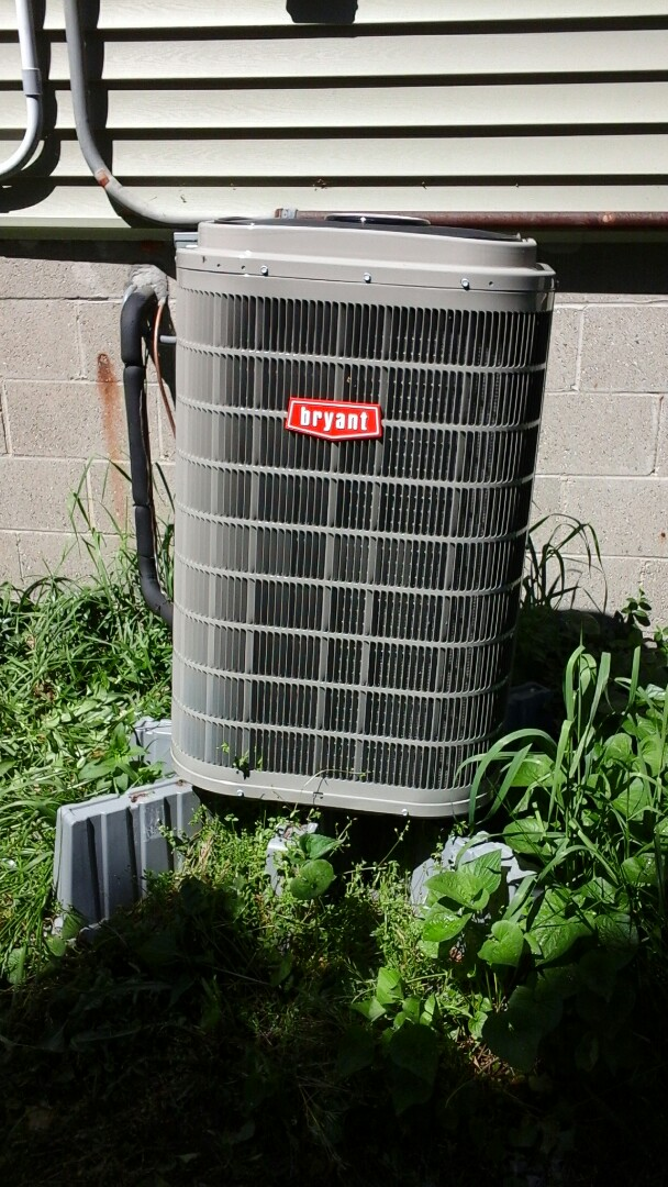 Marshall, MI - Yearly maintenance tune-up on a Bryant evolution heat pump with R410A refrigerant charge.