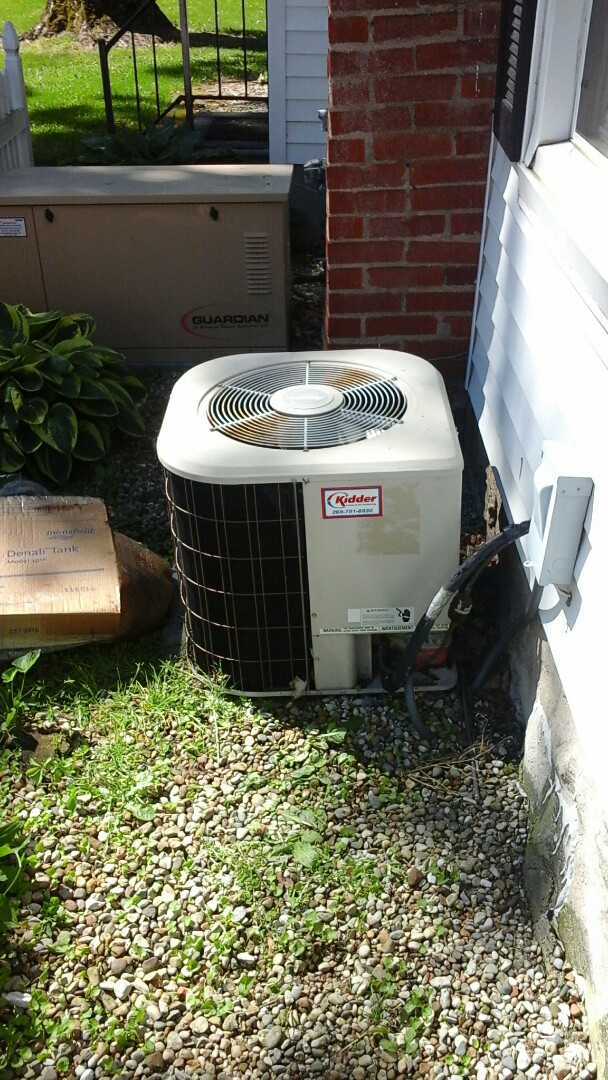 Homer, MI - Yearly maintenance tune-up on a Amana RCB air conditioning unit with R - 22 refrigerant charge and a 16 � 25 � 4 ezflex media air filter.
