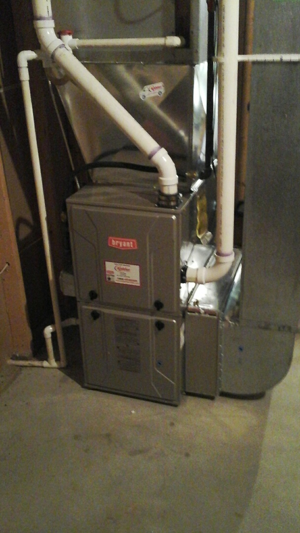 Charlotte, MI - Yearly maintenance tune-up on a Bryant condensing furnace with a 16 � 25 � 4 ezflex media air filter.