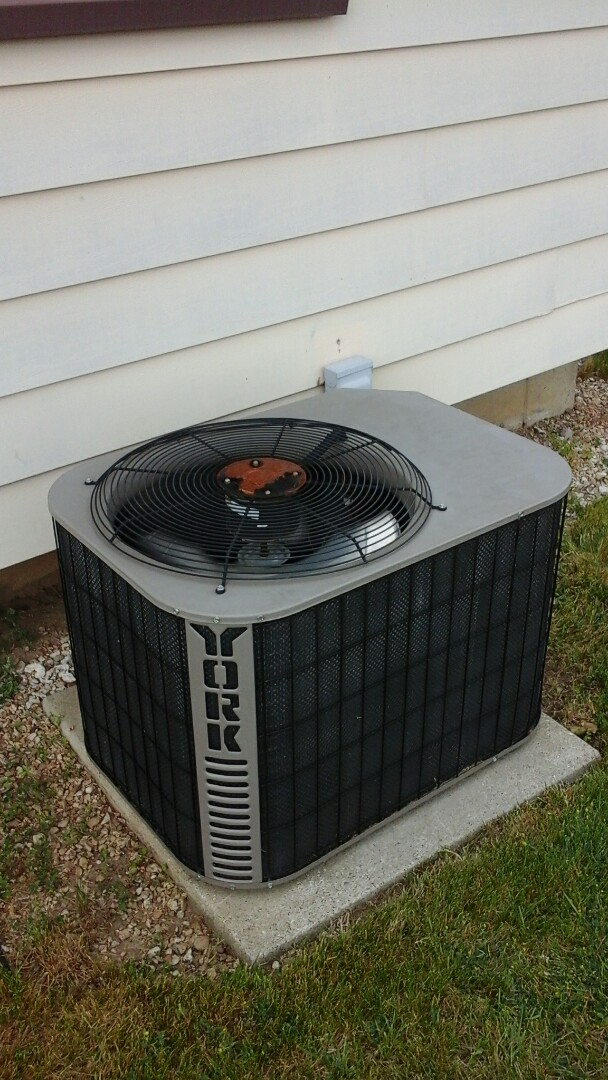 Marshall, MI - Yearly maintenance tune-up on a York air conditioning unit with R - 22 refrigerant charge and a 16 � 25 � 4 media air filter and replaced the dual run capacitor.