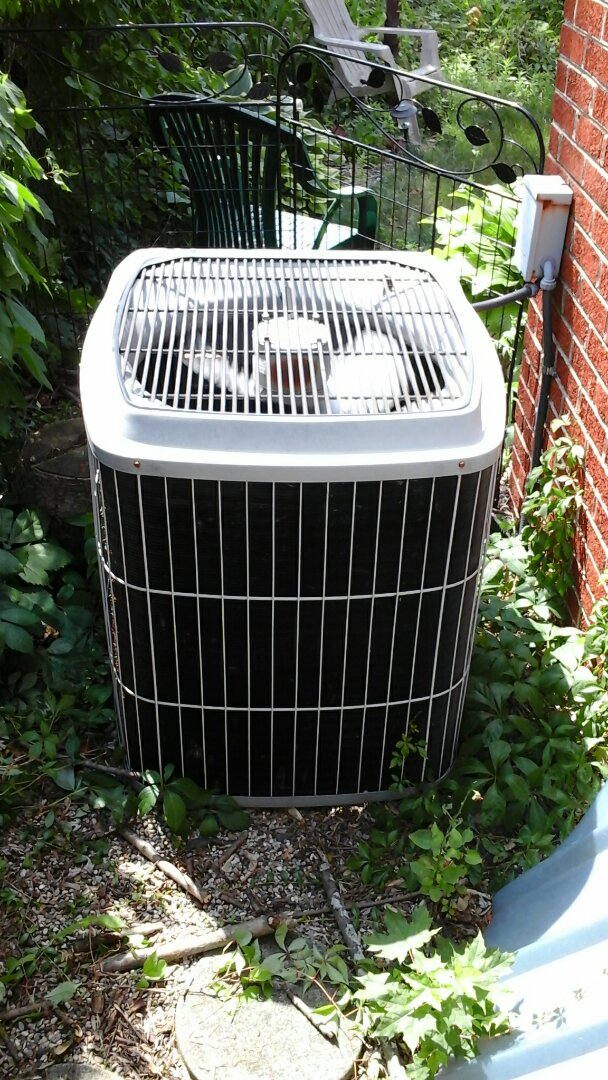 Battle Creek, MI - Yearly maintenance tune-up on a Carrier Air conditioning unit with R - 22 refrigerant charge and electronic air filter system.