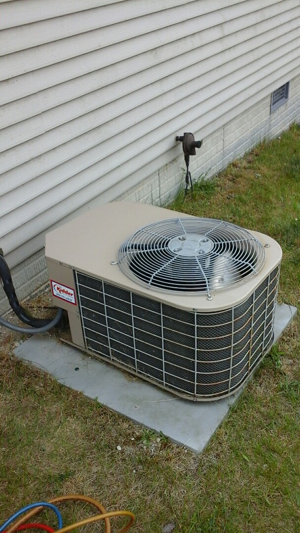 Union City, MI - Yearly maintenance tune-up on a York air conditioning unit with R - 22 refrigerant charge and a 16 � 20 � 1 pleated air filter and condensate pump.