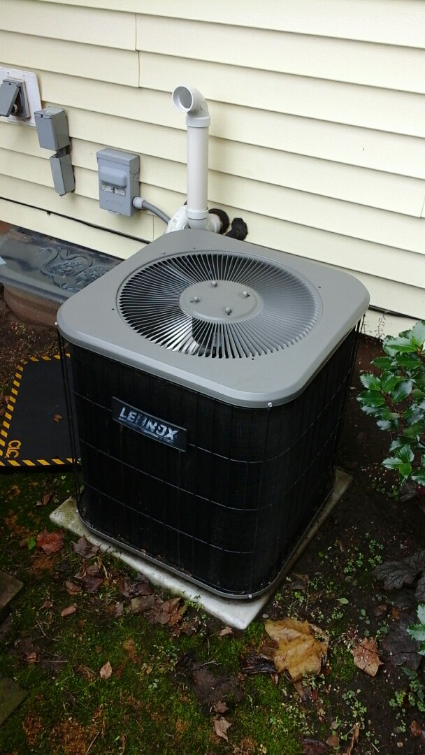 Burlington, MI - Yearly maintenance tune-up on a Lennox air-conditioning unit with R - 22 refrigerant charge and a 20 x 25 x 1 pleated air filter and condensate pump.