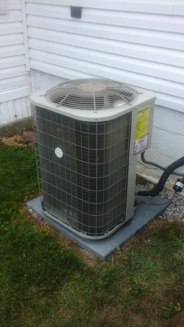 Olivet, MI - Yearly maintenance tune-up on a Payne air conditioning unit with R410A refrigerant charge and condensate pump.