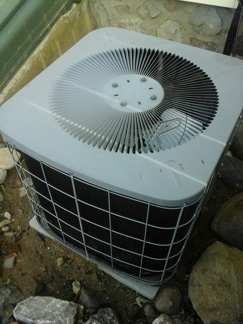 Union City, MI - Air conditioner tune up on an ICP NAC024AKC3
