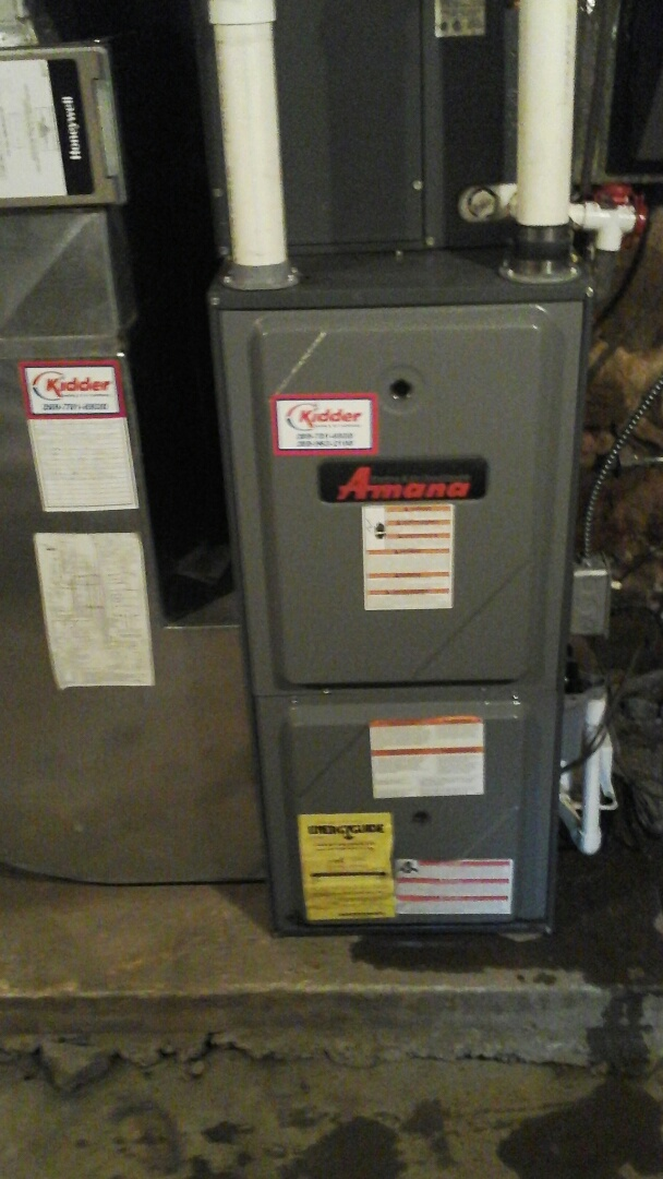 Bellevue, MI - Yearly maintenance tune-up on a Amana AMH, 90% condensing furnace with a 20 x 25 x 4 media air filter and condensate pump.