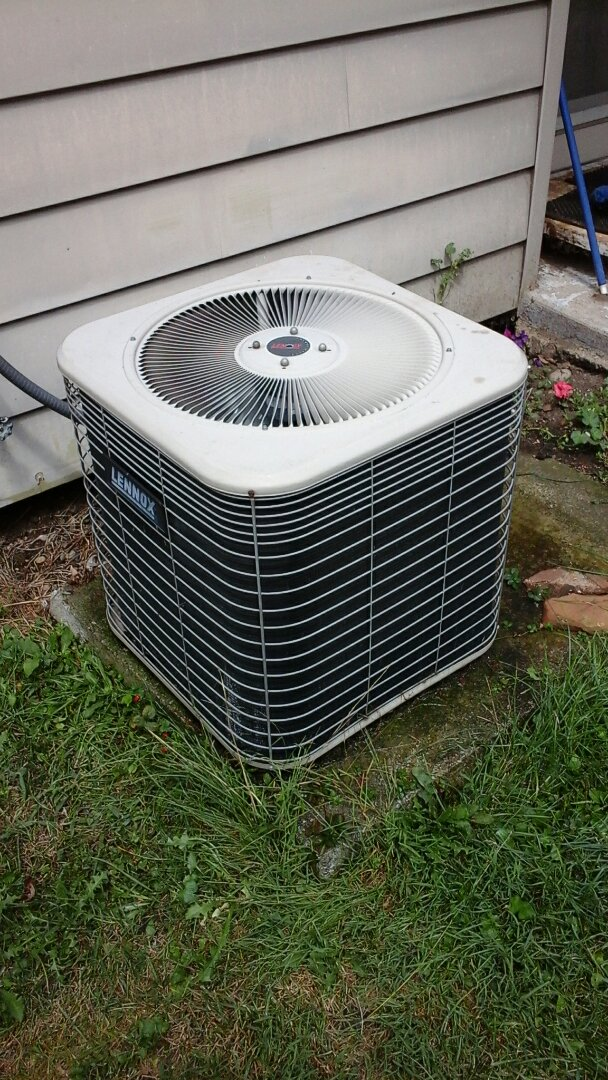 Marshall, MI - Yearly maintenance tune-up on a Lennox HSX air conditioning unit with R410A refrigerant charge and a 16 � 25 � 4 media air filter.