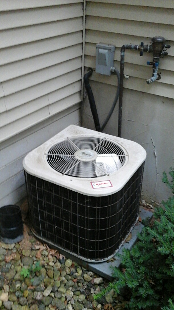 Marshall, MI - Old Amana air conditioner bad compressor