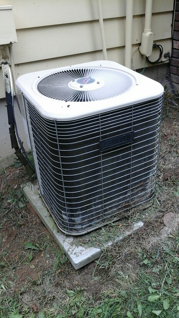 Battle Creek, MI - Yearly maintenance tune-up on a Lennox HS 29 air conditioning unit with R - 22 refrigerant charge and a 20 x 25 x 5 media air filter.