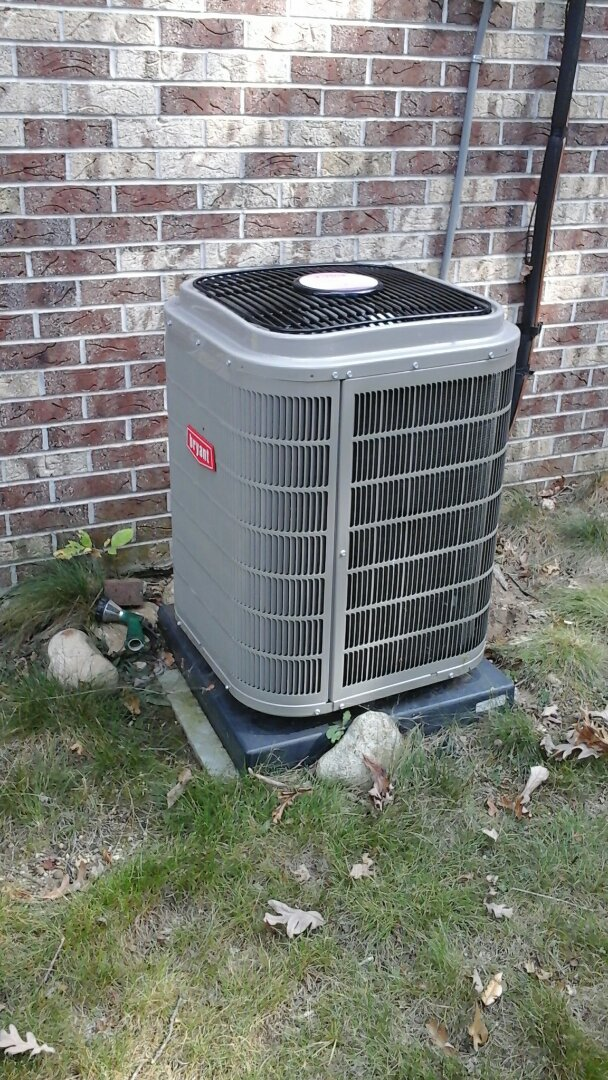 Tekonsha, MI - Yearly maintenance tune-up on a Bryant Legacy heat pump with R410A refrigerant charge and a 16 � 25 � 4 media air filter.