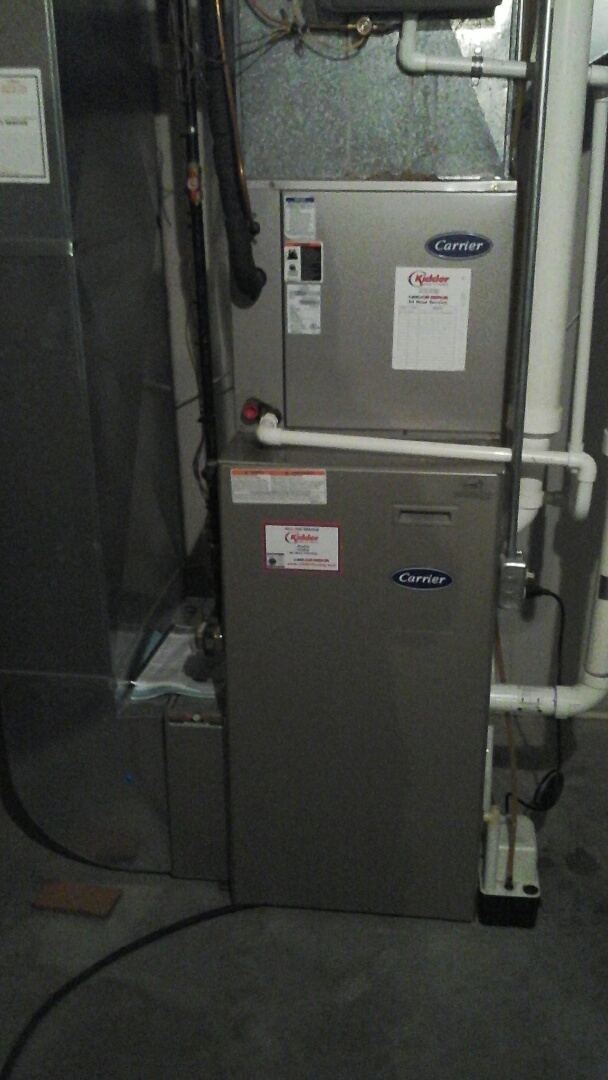 Bellevue, MI - Yearly maintenance tune-up on a Carrier 90%, condensing furnace with a 16 � 25 � 4 media air filter and condensate pump.
