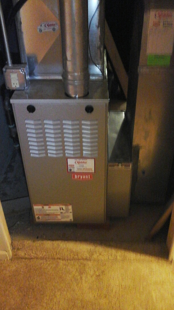 Albion, MI - Yearly maintenance tune-up on a Bryant 80% furnace with a 16 � 25 � 4 media air filter and HSI ignitor.