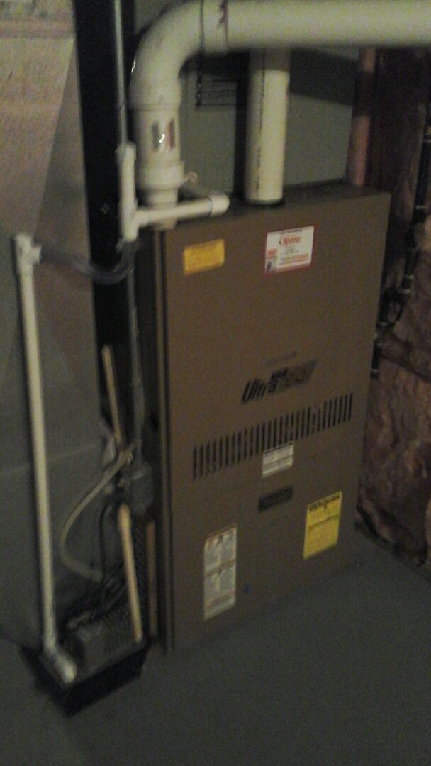 East Leroy, MI - Yearly maintenance tune-up on a Armstrong, 90% efficient furnace with a 16 � 25 � 1 pleated air filter and condensate pump.