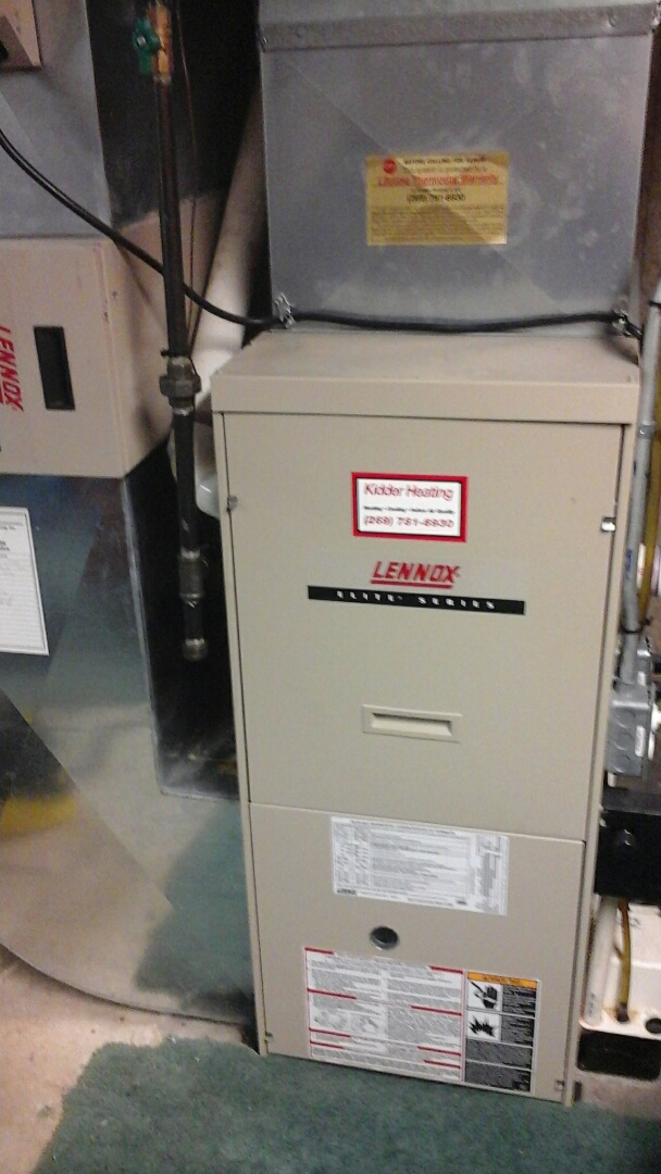 Olivet, MI - Yearly maintenance tune up on a Lennox furnace with a 16 x25 x4 media air filter.