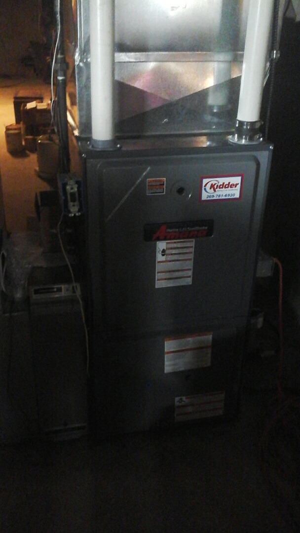 Tekonsha, MI - Yearly maintenance tune up on a amana furnace with a 20 x 25 � 5 air filter and condensate pump.