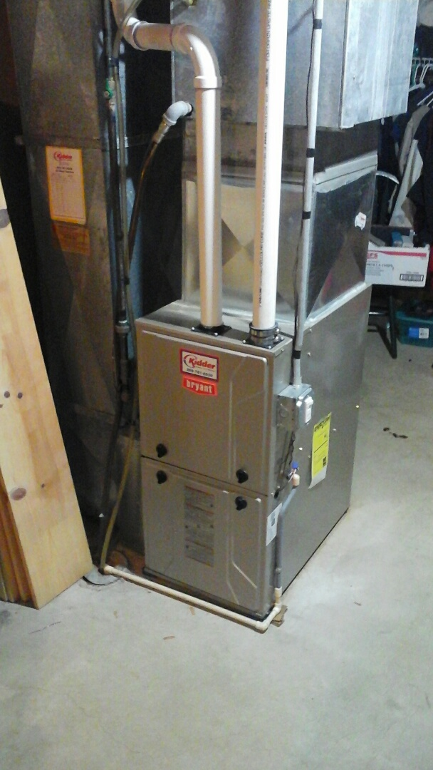 Ceresco, MI - Installation of a new draft Inducer motor on a 95% efficient, condensing Bryant gas furnace.