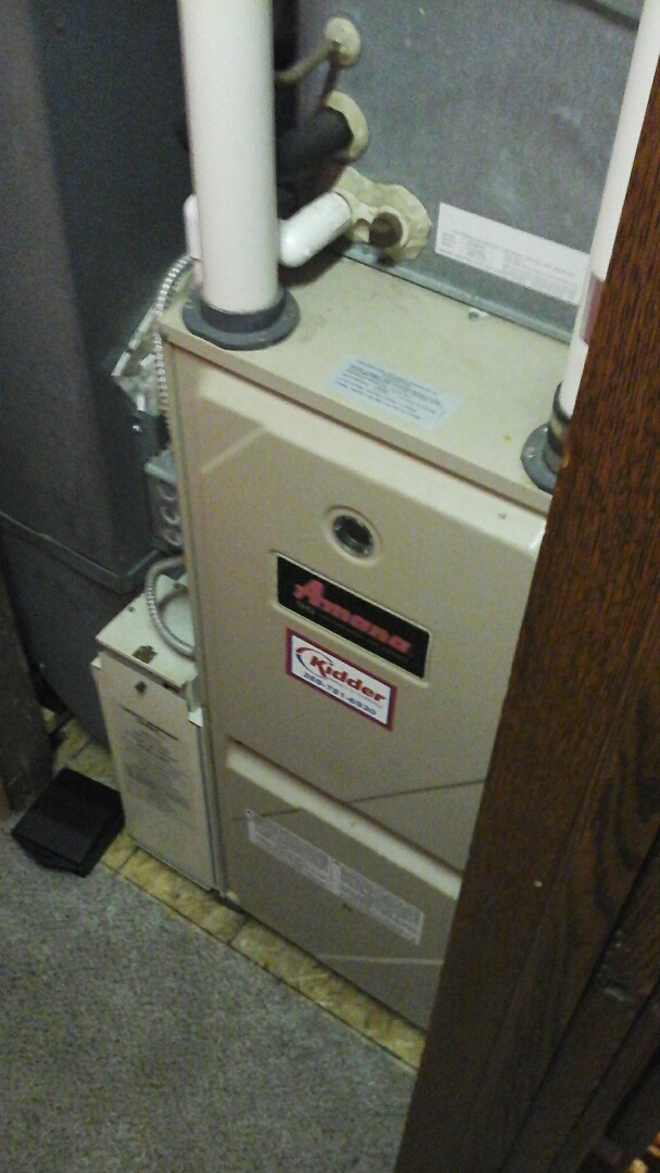 Olivet, MI - Diagnostics on a old 90% efficient, condensing Amana furnace.