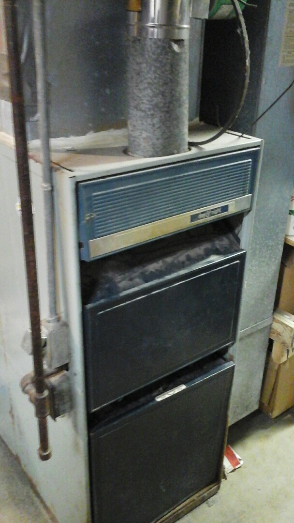 Olivet, MI - Diagnostics and pilot reignite on a old 70% efficient, gas furnace.