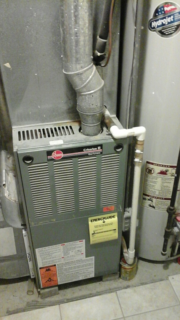 Ceresco, MI - Yearly maintenance tune-up on a Tech-4 gas furnace with a 16 � 20 � 1 pleated air filter.