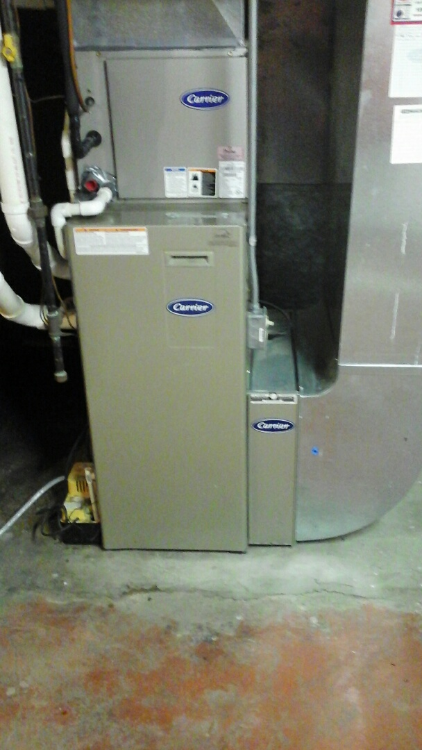 Ceresco, MI - Yearly maintenance tune-up on a Carrier furnace.