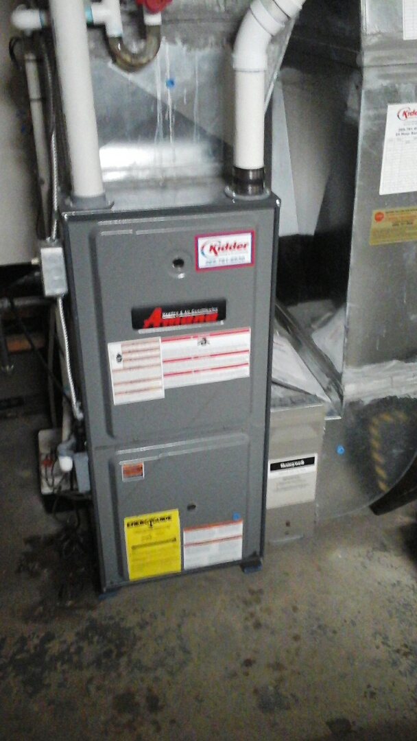 Ceresco, MI - Yearly maintenance tune-up on a condensing Amana gas furnace.