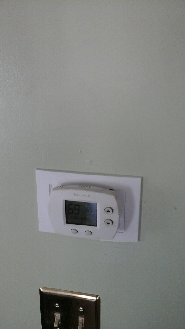 Battle Creek, MI - Replacement of programmable thermostat.