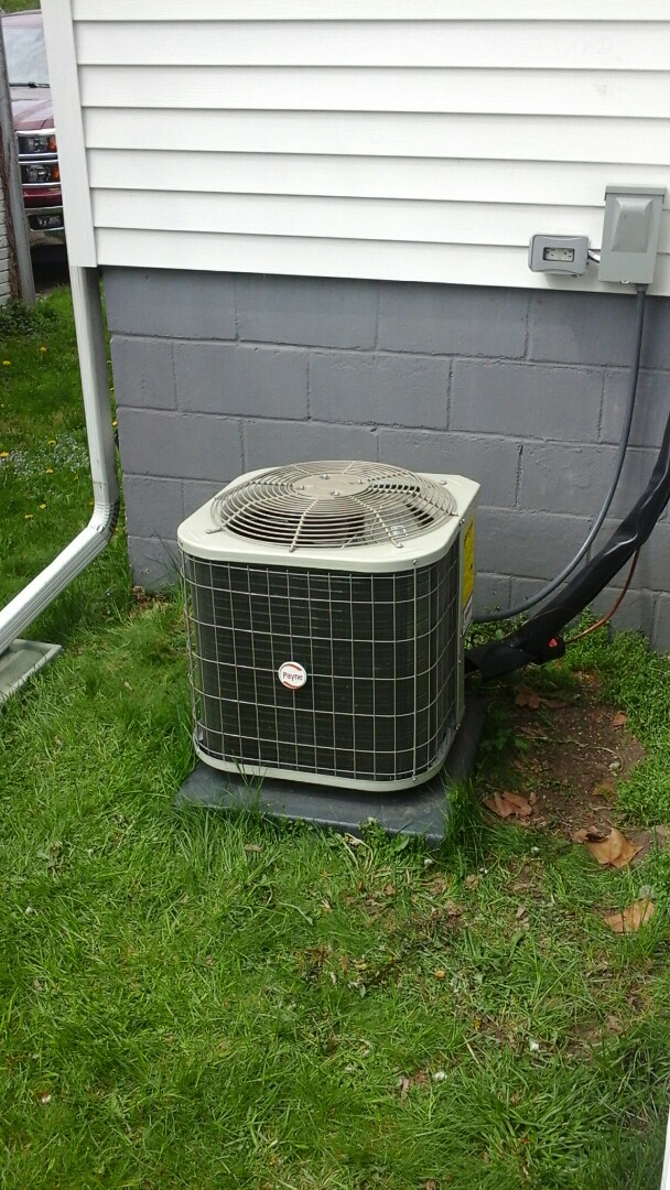 Homer, MI - Yearly maintenance tune-up on a Lennox air-conditioning unit with R - 22 refrigerant charge and a 16 � 25 � 1 pleated air filter.