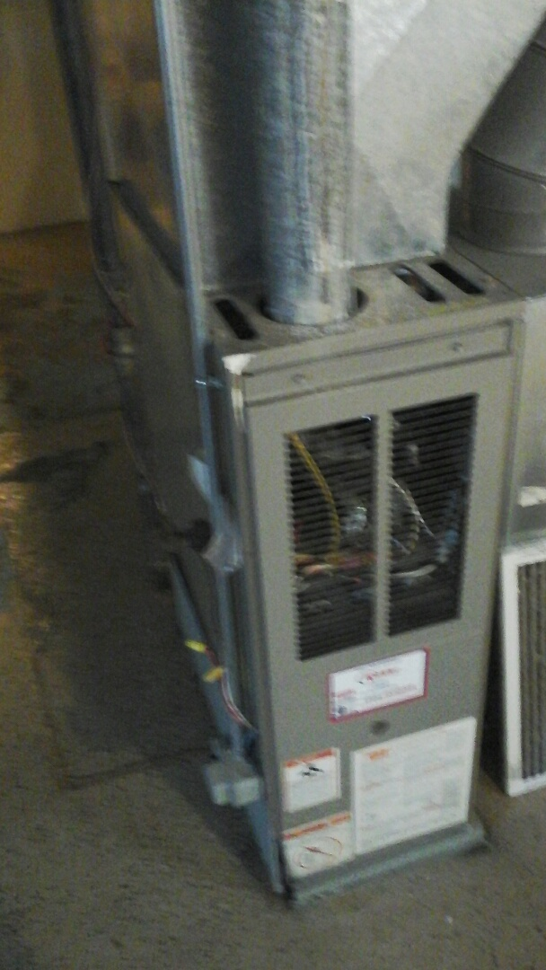 Union City, MI - Replacement of the hot surface ignitor on a high-efficiency, intertherm LP gas furnace.
