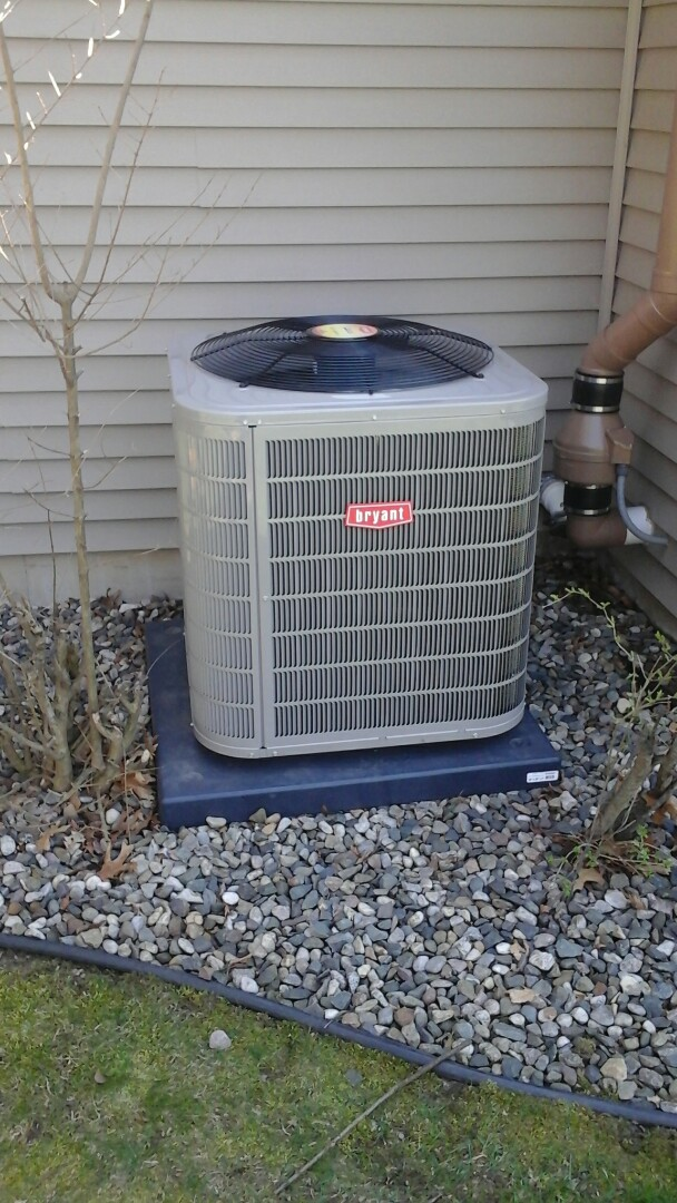 Ceresco, MI - Yearly maintenance tune-up on a Bryant evolution air conditioning unit with R410A refrigerant charge and a 16 � 25 � 4 media air filter.